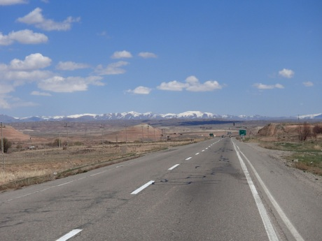 Iran starting to look more like you think it would, the road to Zanjan, Iran.